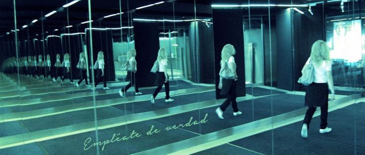 mirror-510976_960_720